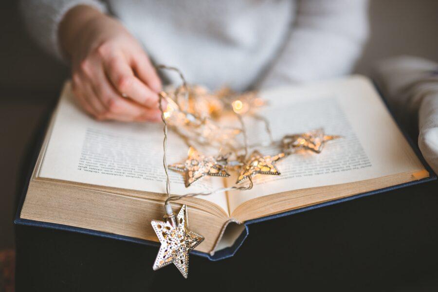 読書で頭が良くなる理由4つと読書のコツ3つ【社会人こそ読書しよう】