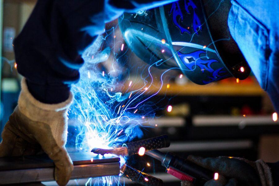 製造業・工場勤務の給料は安い?上がらない?真相を暴露します