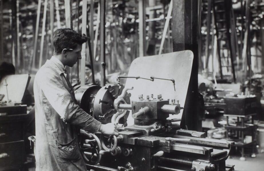 工場勤務・製造業がきついのは本当です【5つの理由と対処法を歴6年が解説】